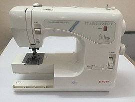Máy may Singer fitline 6100